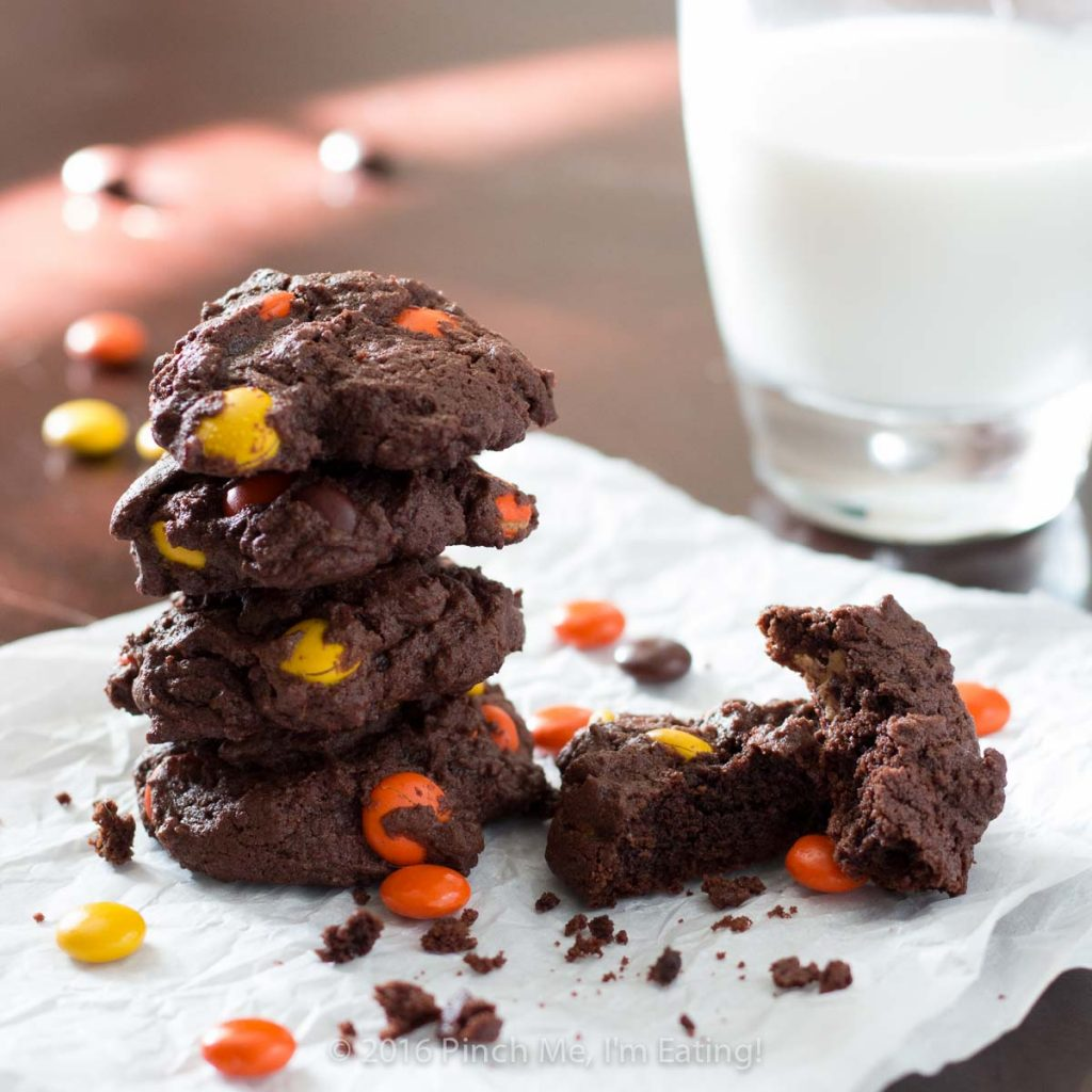 Festive Chocolate Reese's Cookies   Pinch me, I'm eating!